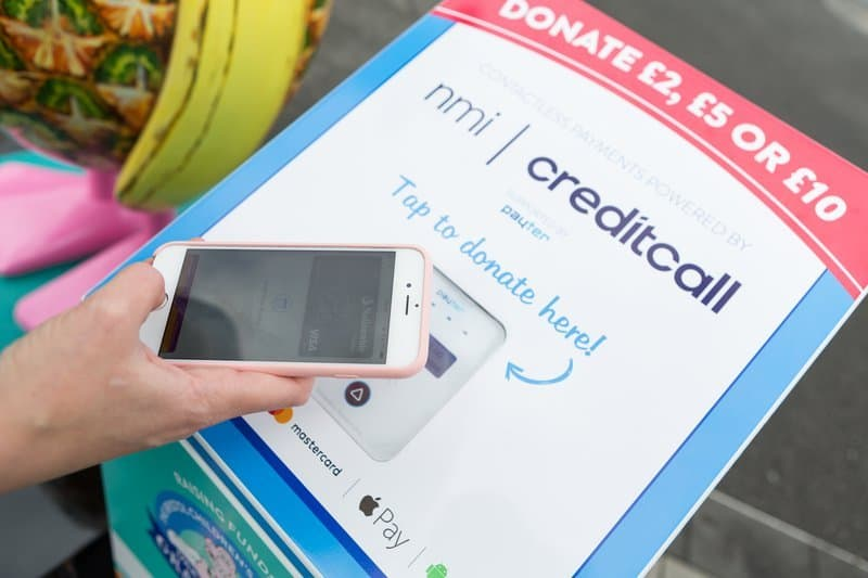 contactless tap to donate machine