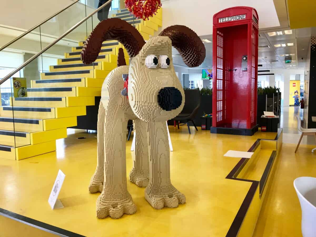 gromit sculpture made from lego